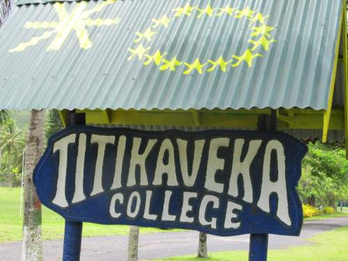 titikaveka college sign
